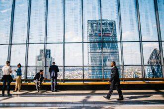 Wykonywanie praw udziałowych i praw z akcji a prowadzenie działalności gospodarczej